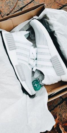 Adidas Adidas Espadrilles Ideas for planning the enhancement of your r Best Sneakers, Sneakers Fashion, Fashion Shoes, Fashion Mode, Nyc Fashion, Covet Fashion, Dream Shoes, Crazy Shoes, Basket Originale