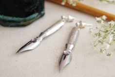 kolczyki ze stalówek z kryształkiem