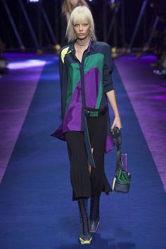 Défilé Versace Printemps-été 2017 15