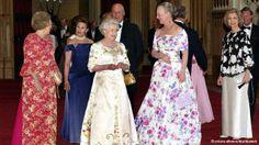 dw:  Queen Elizabeth's Golden Jubilee Celebration, 2002-Queen Beatrix of the Netherlands, Queen Sonia and King Harald of Norway, Queen Elizabeth II of Great Britain, Queen Margrethe of Denmark, Queen Sophia of Spain, Grand Duke Henri of Luxembourg (far right)