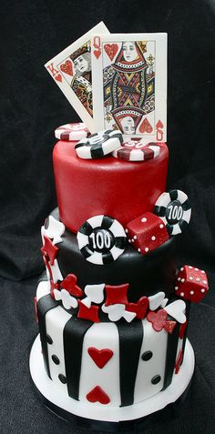 Vegas Themed Tiered Cakelet