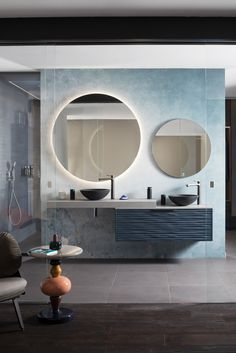 the bend of a glass partition, throne this bathroom design, in the heart of . Bathroom Redesign, Home Interior Design, Master Bathroom Design, Floor Tile Design, Beautiful Houses Interior, Basin Design, House Interior, Bathroom Mirror Inspiration, Contemporary Bathroom