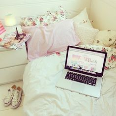 I want my room like this! so cute ^-^