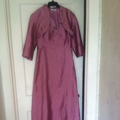 Pink mother of the bride dress Pink never worn size 12 enjoy mother of the bride or prom Dresses