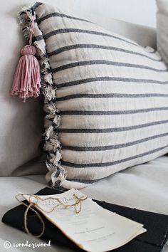 WONDERWOOD.NO: DIY Transform your favorite scarf into your favorite pillowcase