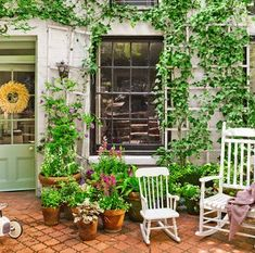 Designs for Small Gardens will add to your life. You can spend the tiredness of the day by listening in a beautiful environment. If the gardens, which Shade Garden Plants, Backyard Plants, Small Backyard Gardens, Small Space Gardening, Garden Spaces, Small Gardens, Outdoor Gardens, Shaded Garden, Patio Planters