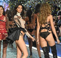 Professional to the end: She remained in model mode as she did her final walk with all of her fellow Victoria's Secret models