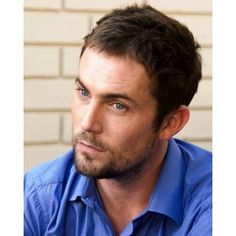 Desmond Harrington.