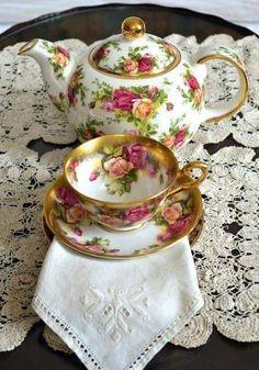 Artful Affirmations: Tea Cup Tuesday-OCR and Look Alike Royal Chelsea Golden Rose Tea Cup Set, My Cup Of Tea, Tea Cup Saucer, Tea Sets, Royal Albert, Cuppa Tea, Rose Tea, Vintage China, Vintage Teacups