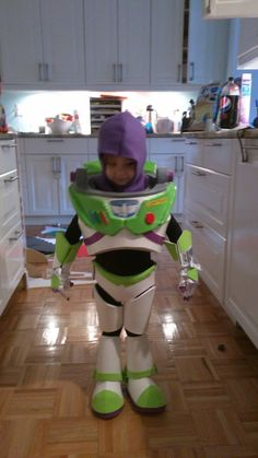 Amazing Buzz Lightyear costume tutorial a friend of mine made!!
