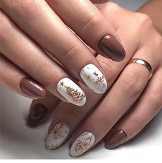 Looking for easy nail art ideas for short nails? Look no further here are are quick and easy nail art ideas for short nails. Xmas Nails, Holiday Nails, Halloween Nails, Fun Nails, Christmas Nails 2019, Christmas Nail Art Designs, Winter Nail Designs, Christmas Design, Christmas Ideas