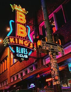 The Everygirl& Weekend City Guide to Memphis, Tennessee Memphis City, Memphis Beale Street, Memphis Skyline, Peabody Hotel, We Will Rock You, Nashville Tennessee, Tennessee Vacation, Graceland, Travel Usa