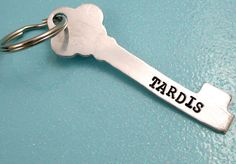 Doctor Who Inspired - Tardis - Hand Stamped Key Shaped Keychain Doctor Who Jewelry, Key Keychain, 12th Doctor, Geek Out, Dr Who, Tardis, Hand Stamped, Geek Stuff, Jewelry Making
