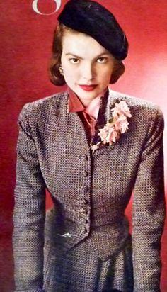 Classic Fashion Style, 1948 Classic Fashion, Classic Style, Women's Fashion, Dorian Leigh, Vintage Style, Vintage Fashion, Beret, Fashion History, 1940s