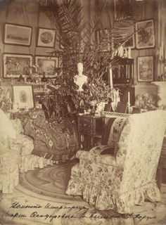 Bedroom of the Empress Maria Feodorovna at the Anichkov Palace.  Not earlier than 1883.  (x)