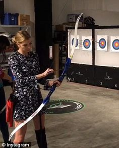 Taking aim: Ivanka Trump fired off arrows at a New York archery range in a new video share. Archery Range, Archery Tips, Archery Hunting, Bow Hunting, Archery Target Stand, Archery For Beginners, Traditional Archery, Wooden Animals