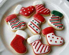 All things Christmas 40 ideas cake decorating icing design sugar cookies Cute Christmas Cookies, Iced Cookies, Christmas Sweets, Christmas Cooking, Cookies Et Biscuits, Holiday Cookies, Christmas Recipes, Reindeer Cookies, Decorated Christmas Cookies