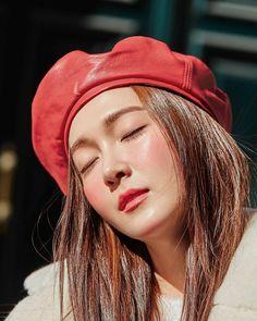 Jessica & Krystal, Krystal Jung, Jessica Jung, Kpop Girl Groups, Kpop Girls, Exo Red Velvet, Ex Girl, Kim Hyoyeon, Kwon Yuri