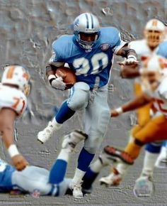 Greatest running back of all time. Football Box, Detroit Lions Football, Football Photos, Football Players, Sports Photos, American Sports, American Football, Nfl Memes, Sports Memes