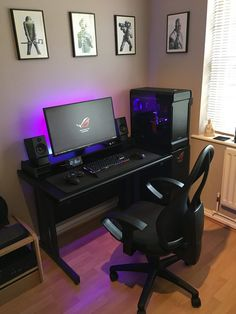 Impressive Video Game Room Decoration Suggestions What do video players have? A house computer game room certainly. Look into this post on exciting computer game room suggestions for your cellar Computer Gaming Room, Computer Desk Setup, Gaming Rooms, Computer Technology, Computer Room Decor, Ikea Gaming Desk, Gaming Computer Desk, Gaming Desktop, Pc Desk