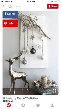 A white Christmas in a snow coat is a big boost to holiday magic! The choice of white for Christmas decorations also allows a result of the most chic, without fault of taste possible! White is all good. Rustic Christmas, Winter Christmas, Christmas Home, Christmas Ornaments, Diy Christmas Wall Decor, Elegant Christmas, Scandinavian Christmas Decorations, Nordic Christmas, Felt Christmas