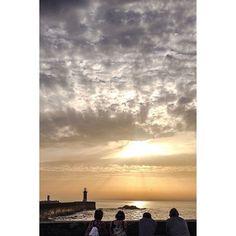 #4plusArtStudio #porto #oporto #portugal #europe #explore #travel #wanderlust #seascape  #ocean #sea #sunset #sunnyday #iphonephotography #yellow #dreamview #lighthouse