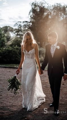 Outdoor Wedding Dress, How To Dress For A Wedding, White Lace Wedding Dress, Western Wedding Dresses, Elegant Wedding Gowns, Affordable Wedding Dresses, Lace Mermaid Wedding Dress, Wedding Dresses For Sale, Ivory Wedding