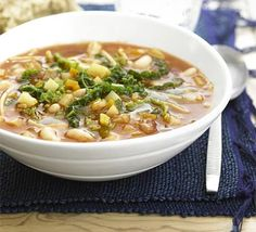 Chunky Minestrone Soup - The perfect solution to a cold night in? A warming bowl of this home-made chunky soup. Vegetarian Soup, Vegetarian Recipes, Healthy Recipes, Healthy Soups, Veggie Recipes, Veggie Soup, Vegetarian Dinners, Savoury Recipes, Easy Recipes