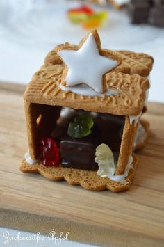 Sugar sweet biscuit crib (DIY) and the Christmas bakery in the Huffington Post … - Diy Gifts Christmas Baking, Winter Christmas, Christmas Cookies, Christmas Time, Christmas Crafts, Diy Crib, Gingerbread, Bakery, Food And Drink