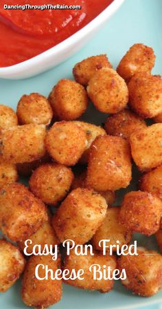 Fried Cheese Balls Recipe, Fried Cheese Sticks, Cheese Sticks Recipe, Cheese Ball Recipes, Fried Mozzarella Balls Recipe, Bite Size Appetizers, Cheese Appetizers, Finger Food Appetizers, Easy Appetizer Recipes
