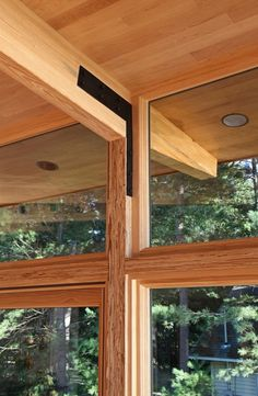 Image 10 of 21 from gallery of Higgins Lake House / Jeff Jordan Architects. Photograph by Jeff Garland Photography Timber Architecture, Wood Facade, Timber Structure, Lakefront Homes, Glass Facades, Cabins And Cottages, Wooden House, Prefab Homes, Glass House