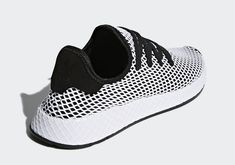 low priced aaef4 3a076 adidas Deerupt CQ2626