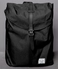 Neu im Shop: Herschel Post Backpack in Black - http://www.numelo.com/herschel-post-backpack-p-24513751.html #herschel #postbackpack #taschen #numelo