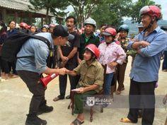 Phan Anh đang ở Quảng Bình: 'Xin đừng dùng từ cứu trợ với bà con...'