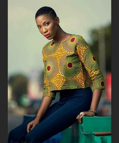 25 Styles You Can Create With 2 Yards Of Fabric – Stampe Africane Box African Blouses, African Tops, African Wear, African Attire, African Women, African Dress, African Style, Latest African Fashion Dresses, African Print Fashion