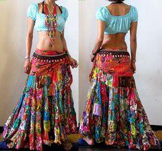 patchwork jupe hippie chic et gitane – Fashion Trends Ideas Boho Gypsy, Bohemian Mode, Bohemian Style, Boho Chic, Bohemian Outfit, Bohemian Skirt, Hippie Style, Gypsy Style, Hippie Chic