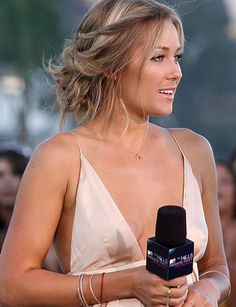 Lauren Conrad - love this hairstyle