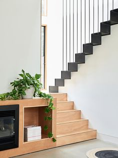 The East Malvern home of the Arendsen family. Production – Lucy Feagins / The Design Files. Entry Stairs, Stair Detail, Loft, Contemporary Interior Design, Contemporary Homes, Interior Stairs, The Design Files, Architect House, Inspired Homes