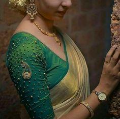 Kerala Saree Blouse Designs, Wedding Saree Blouse Designs, Saree Blouse Neck Designs, Simple Blouse Designs, Blouse Patterns, Anarkali Patterns, Stylish Blouse Design, Lany, Kerala Wedding Saree