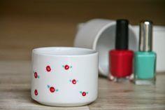 DIY: Taza decorada con rosas hechas con esmalte de uñas