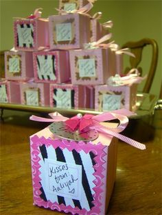 Animal Print Baby Shower Party Favor : Inside are Hershey kisses, from the baby.