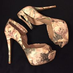 NWOT Betsey Johnson Floral Sandals These are the hottest shoes ever! You will look so sexy no matter what you pair these with! New without tags, minimal scuffing on the soles from them being tried on in the store. Betsey Johnson Shoes