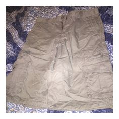 Old Navy men's light gray short Great condition! size 28 Old Navy Shorts Cargos