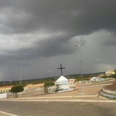 Chuva bem próxima da cidade de São João do Piaui.