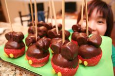 Mickey Mouse caramel apples. cute and tasty.