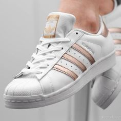 4369616756 ADIDAS tenisky Superstar 2 K white and gold Módne Trendy