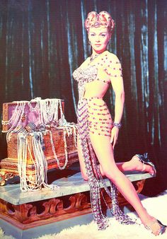 ~Lana Turner ~*  Omg.  I want this outfit.  I really want it.