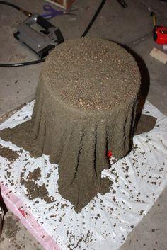 Gartendeko aus Beton selber machen – 6 Ideen & Anleitungen Make a decoration with concrete and a towel Diy Concrete Planters, Concrete Garden, Diy Planters, Garden Planters, Concrete Crafts, Concrete Projects, Diy Garden, Garden Projects, Balcony Garden