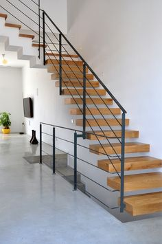 Modern Staircase Design Ideas - The Peachy Way House Staircase, Staircase Railings, Stairways, Staircase Lighting Ideas, Floating Staircase, Staircase Contemporary, Modern Staircase, Home Wall Colour, Timber Stair