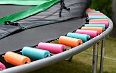 Cover Trampoline Springs: Cover springs on a trampoline to keep them safe for your kids with pool noodles! Pool Noodle Trampoline, Trampoline Springs, Trampoline Safety, Best Trampoline, Backyard Trampoline, Pool Noodles, Trampoline Ideas, Trampolines, Dollar Store Hacks